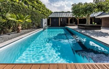 Thiết kế lắp đặt hồ bơi mini cho gia đình