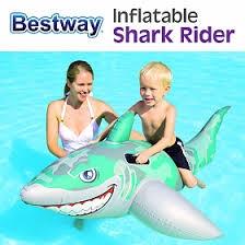 Phao bơi cá mập giành cho trẻ dưới 3 tuổi