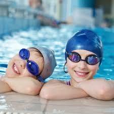 Những lợi ích của việc đeo kính bơi không phải ai cũng biết!